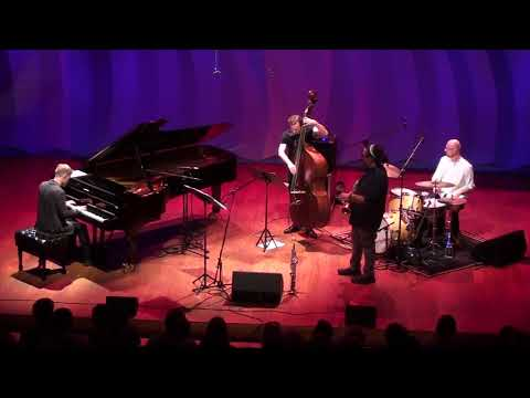 "Piotr Wyleżoł Quartet feat  Dayna Stephens  ""No Stamp Required"" (by J. Muniak)"