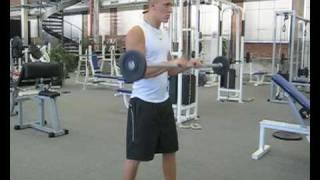 Videoanleitung zur Übung Langhantelcurls im Obergriff. Diese Übung trainiert die Unterarmmuskulatur. Weitere Übungen und alles rund um das Thema Fitness auf: http://www.wikifit.de