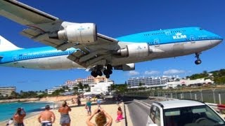 0:18 Look at the wings! I have more videos of this 747 on my channel - check them out! Maho Beach - KLM Boeing 747 Landing at...