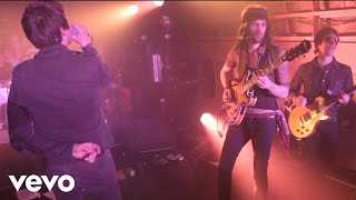 Underdog (VEVO Presents: Kasabian - Live From Leicester)