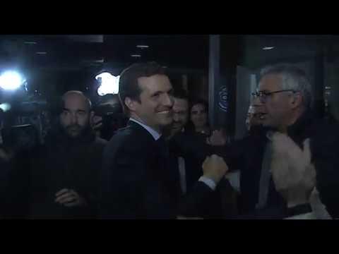 Llegada de Pablo Casado tras el debate de TVE