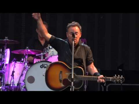 Springsteen - Bruce played the requests from my friends Jörg & Yuri ;-) Multicam mix with dubbed audio coming...