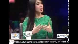 "Video Mata Najwa ""Pencuri Perhatian"" Bersama Syahrini MP3, 3GP, MP4, WEBM, AVI, FLV Mei 2019"