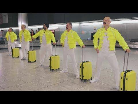 Εργαζόμενοι στο αεροδρόμιο Heathrow ντύθηκαν Freddie Mercury