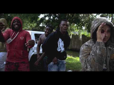 MM. Bari & Y&R Slugga Tee -TAKE OFF | shot by @KickAddiks