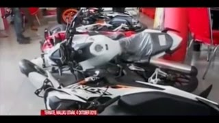 Video Oknum TNI ngamuk di dealer motor - BIM 04/10 MP3, 3GP, MP4, WEBM, AVI, FLV November 2017