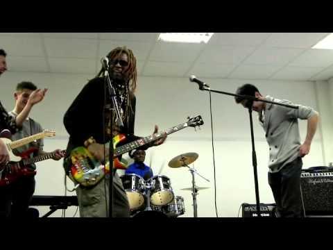 TM Stevens Vs.JayKeys Bassguitar and Drums Battle