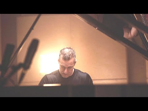 Walter Fischbacher - solo piano EPK (2min)