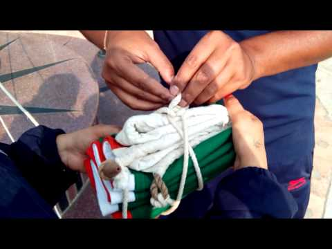 How to tie NATIONAL FLAG