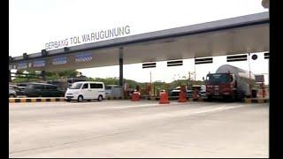 Video Antrian Kendaraan Mulai Terjadi di Gerbang Tol Warugunung MP3, 3GP, MP4, WEBM, AVI, FLV Juni 2018