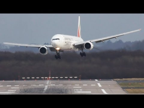 B777 - Canon 5dII + Canon 100-400 + 1,5x converter + 2x converter which leads to a total focal distance of 1200mm. Subscribe for more Aviation videos. more landings...