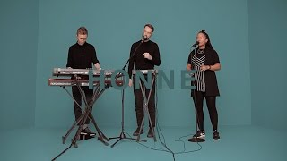 Video HONNE - SOMEONE THAT LOVES YOU | A COLORS SHOW MP3, 3GP, MP4, WEBM, AVI, FLV Agustus 2018