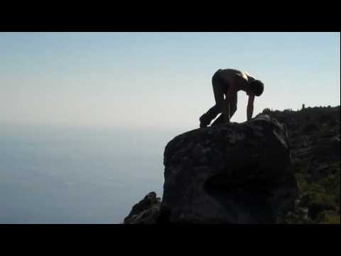 Handstand on a 750ft cliff at Table Mountain South Africa