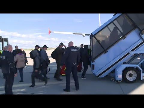 Bundesinnenminister Seehofer will Ausreisepflichtige im Knast parken