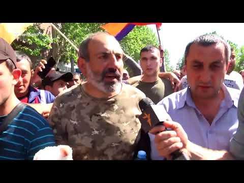 Նիկոլ Փաշինյանը ազատ արձակվելուց հետո երթով շարժվում է դեպի Հանրապետության հրապարակ - DomaVideo.Ru