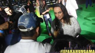 At the green carpet of IIFA New York, Bollywood Hungama spoke to Alia Bhatt's mother Soni Razdan. She had a lot of positive ...