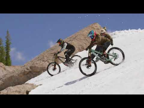First Ever Mountain Bike Descent of Corbet's Couloir (видео)