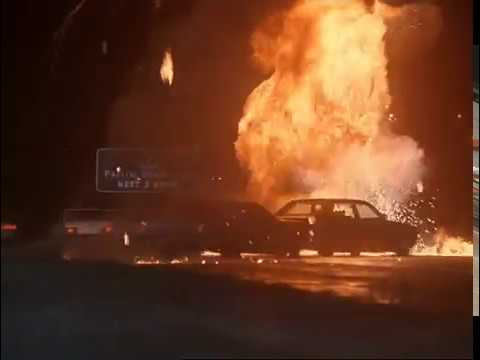 The Best Movie Explosions: The Sweeper (1996) Carchase