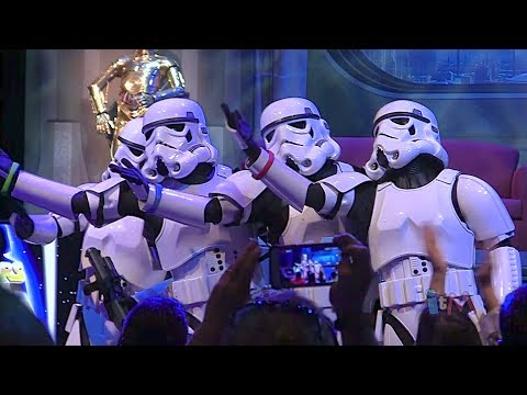 Stormtroopers sing %22Let It Go%22 from Frozen in song medley at Star Wars Weekends 2014