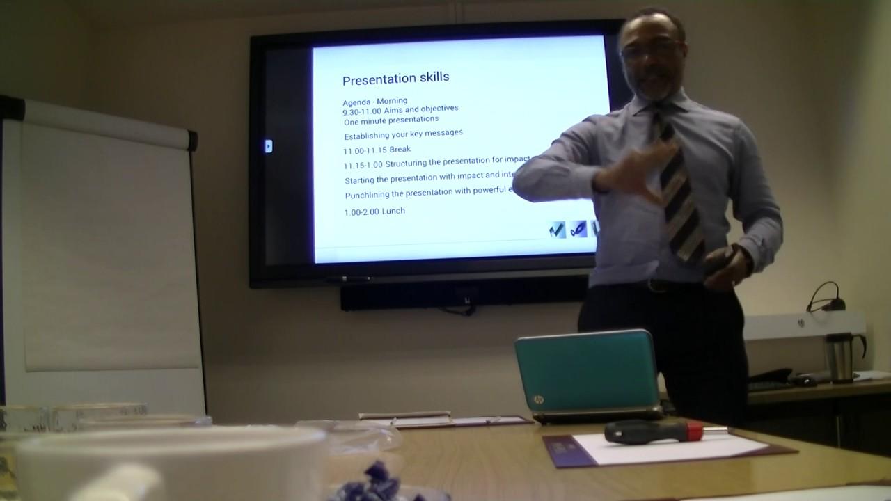 Presentation Skills - Poor Presentation Example - Disorganised Presenter