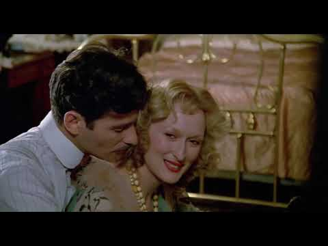The piano scene (Sophie's Choice 1982)