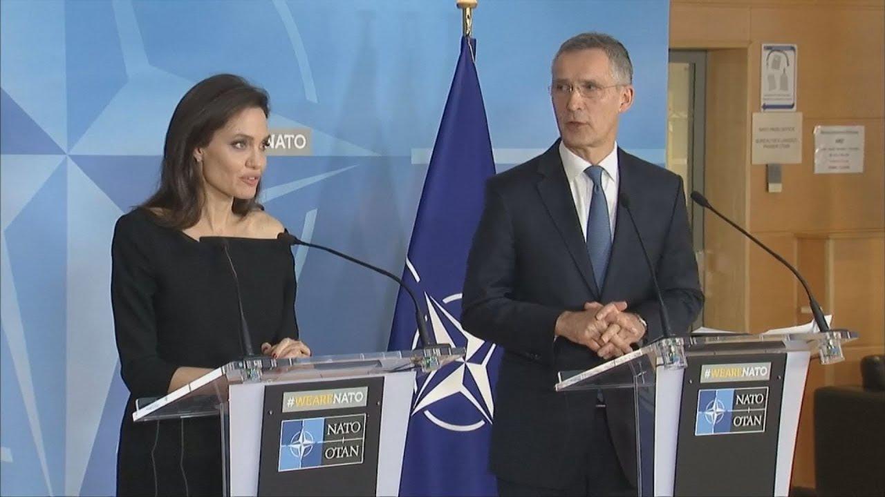 Η Αντζελίνα Τζολί προτρέπει το ΝΑΤΟ να αντιμετωπίσει τη σεξουαλική βία στις εμπόλεμες χώρες