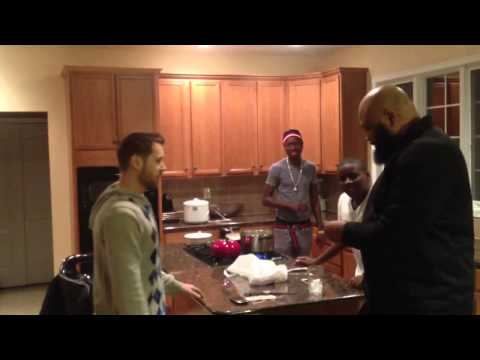 At Michael Blackson crib and Hi Dep and Big Rich argue over