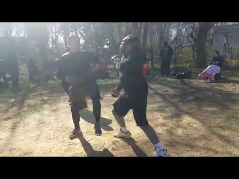 HEAVYWEIGHT FIGHT FOOTBALL PLAYER VS BLACKBELT IN KARATE
