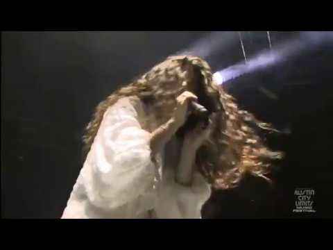 Lorde - Flashing Lights (ACL Festival 2014) (Kanye West Cover)