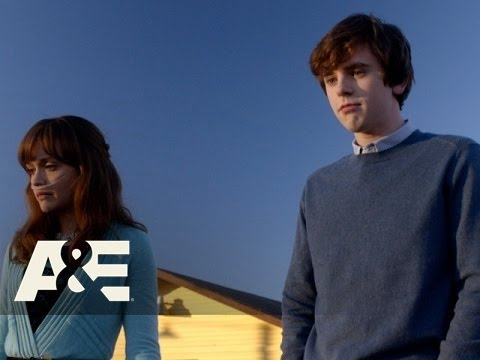 Bates Motel: Emma Tells Norman They Can't Date (Season 3, Episode 8) | A&E