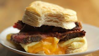Sandwich Déjeuner Au Bifteck, Aux Œufs Et Au Fromage • Tasty Miam by Tasty