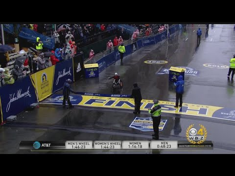 Marcel Hug Wins 2018 Boston Marathon Wheelchair Race