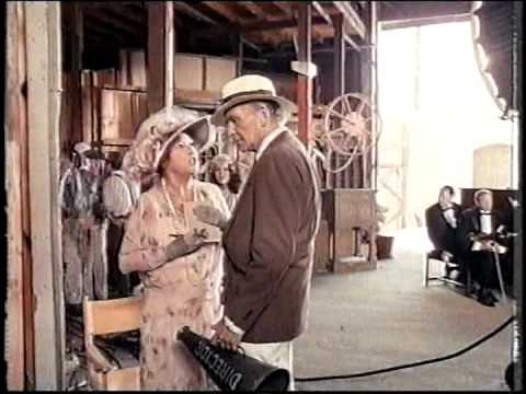 Won Ton Ton Movie (1976) - Cameos