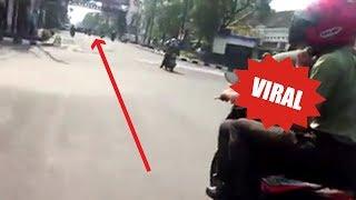 Video Viral! Aksi Heroik Anggota TNI dan Warga Mengejar Pelaku Tabrak Lari di Jalan Asia Afrika Bandung MP3, 3GP, MP4, WEBM, AVI, FLV Juni 2018