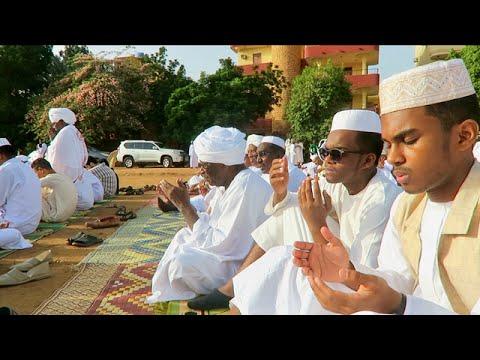 """فيديو.. أجمل وأروع تغطية وتوثيق للعيد في السودان..معايدات الأهل و""""المرارة"""" و """"شية الجمر"""" مشاهد تجعلك تحن للوطن السودان"""