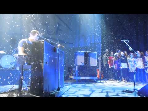 Coldplay - White Christmas + Christmas Lights at Under 1 Roof
