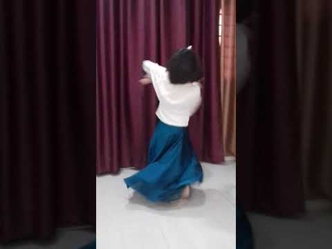 Video Choti si Radha dancing for Kanhaji download in MP3, 3GP, MP4, WEBM, AVI, FLV January 2017