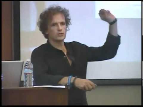 Yves Behar, der Gründer der Design-Firma fuseproject, spricht über Entwicklung  und Innovation in Unternehmen