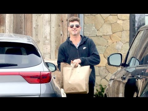 Proud Papa Robin Thicke Goes Casual In Sweats To Pick Up Groceries