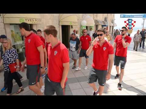 Vatreni u šetnji Splitom