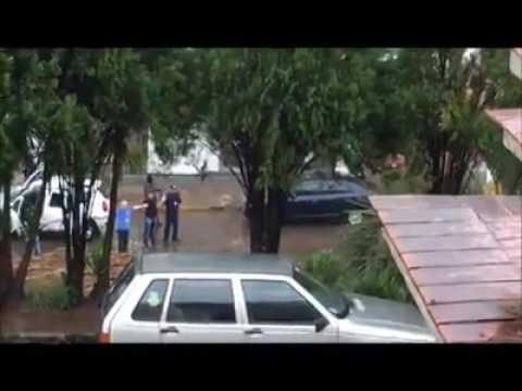 Leouve -Bandidos atacam duas agências bancárias em Putinga no Vale do Taquari