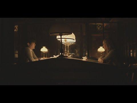 Isabelle Fuhrman & AnnaSophia Robb library scene - Down a Dark Hall