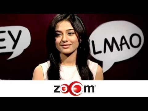Amrita Rao interacts with her fans