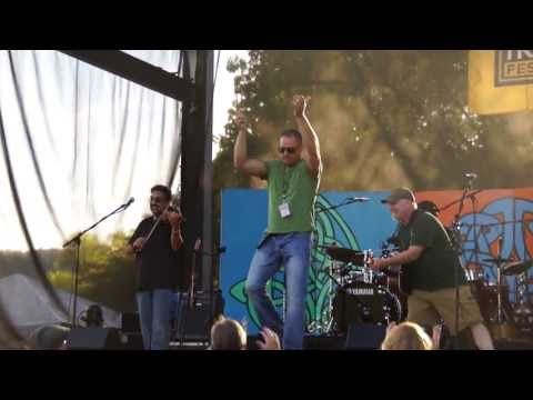Corned Beef and Curry Band at the 2013 Pittsburgh Irish Festival - I'll Tell Me Ma