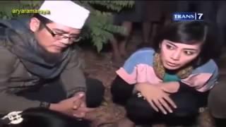 Download Video Dua Dunia - Rumah Pocong Banguntapan [Full Video] 25 Oktober 2013 MP3 3GP MP4