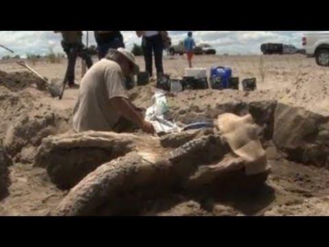 Strange Artifacts Found in American Deserts