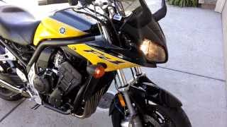 5. 2003 Yamaha FZ1 Cold start and walkaround