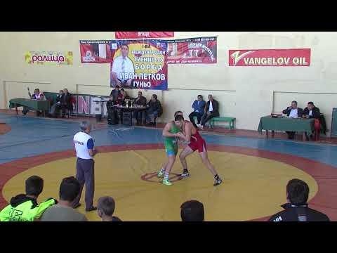 Светослав Николов не успя да спечели отличие от Световното първенство по борба