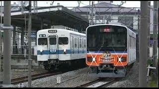 東上線イベント臨時列車 高坂駅で51091Fを8111Fが追い抜くシーン