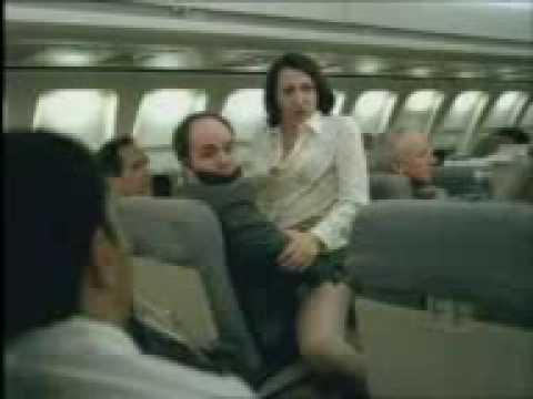 在安靜的飛機上,他們竟然做起不該做的事情...!?
